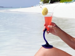 Tasty Coconut Cocktails that Can Enjoy in the Maldives
