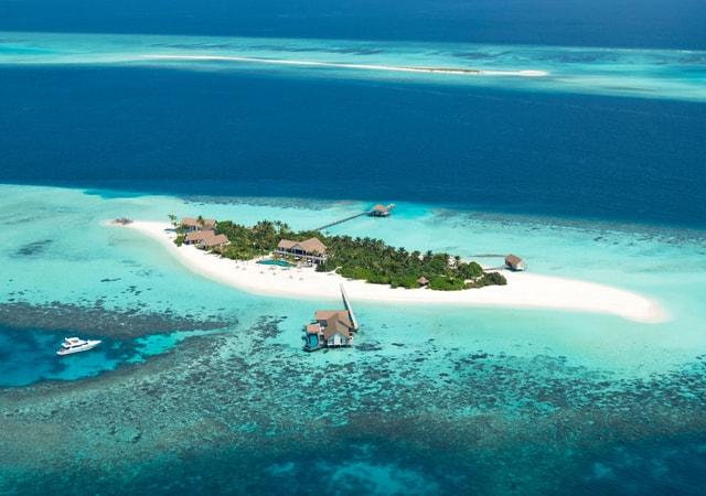 Four Seasons Private Island Maldives at Voavah